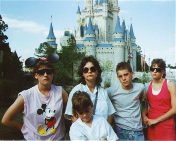 vacances-de-famille-bof-stuffhappens.us-le-famille-qui-ne-trippe-pas-a-Walt-Disney